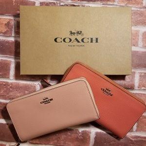 NWT Coach Accordion Zip Wallet